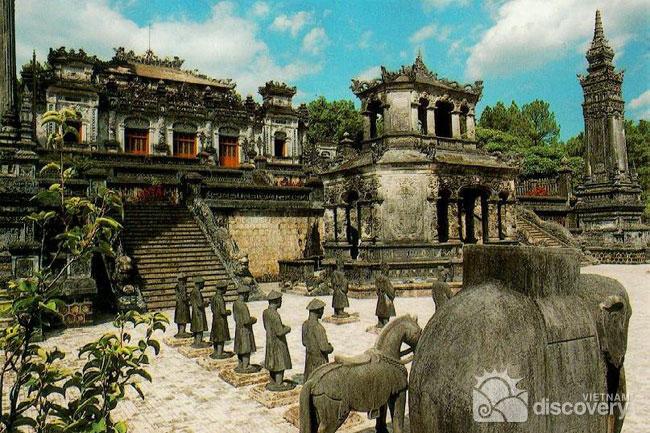 0019VND-Khai-Dinh-Tomb-Hue-Palace-Vietnam