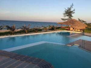 Front sea swimming pool